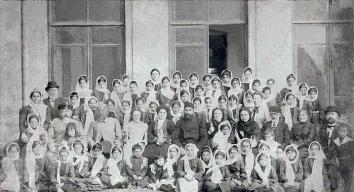 Gertrude iraqi schoolgirls 4